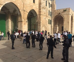 الاحتلال الإسرائيلي يواصل انتهاكاته.. اقتحامات بالأقصى واعتقالات في باب السلسلة