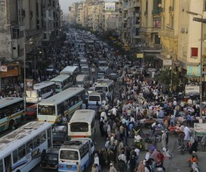 الزيادة السكانية تلتهم التنمية.. ارتفاع الأعداد 100.4 مليون نسمة في مايو الماضي