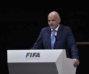 """""""بيتين ونخلة"""".. قطر لا تستطيع تنظيم مونديال 2022 بمفردها باعتراف فيفا"""