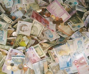 أسعار العملات الأجنبية والعربية.. اليوم الأحد 9 مايو 2021