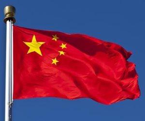 انفجار في محيط سفارة أمريكا بالصين: 3 روايات للحادث.. ولا متهمين