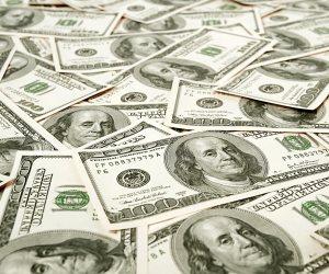 تراجع سعر الدولار أمام الجنيه 4 قروش ليسجل 16.05 جنيه للشراء خلال 20 يوما
