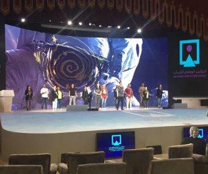 جامعة القاهرة تضع اللمسات الأخيرة استعدادا لاستضافة المؤتمر السادس للشباب (صور)