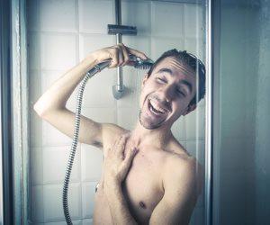 لها تأثير السعادة عليك.. كل ما تريد معرفته عن بكتيريا الاستحمام