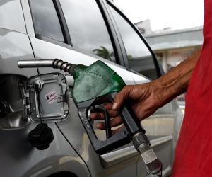 """""""التموين"""": تكثيف الحملات الرقابية على محطات الوقود للتأكد من الأسعار المقررة"""