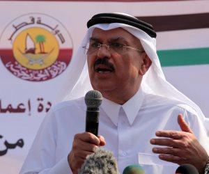 على طريقة محمد بديع و«مرسي».. السفير القطري يلقن قيادي حمساوي تعلميات «الحمدين» (فيديو)