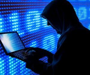بعد فصل محام بالبنك المركزي.. صوت الأمة تعيد نشر قانون مكافحة جرائم الإنترنت