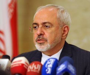 """معركة نظام الملالي... 4 حقائق تكشفها استقالة """"جواد ظريف"""" في إيران"""