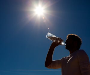 العظمى بالقاهرة 37 درجة.. الأرصاد: طقس اليوم شديد الحرارة
