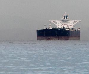 العقوبات الأمريكية على إيران على مشارف التنفيذ.. هل ترتفع أسعار النفط عالميًا؟
