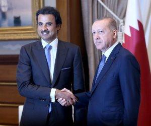 """تميم المذلول في وطنه.. أردوغان يتعمد إهانة """"الحمدين"""" في قطر"""