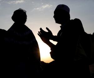 اللهم احفظ أهلها وأمنها.. حجاج بيت الله يدعون لمصر بالأمن والاستقرار في جبل عرفة