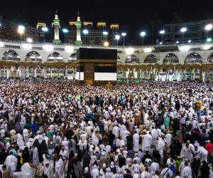 السعودية ترد على الدعوات المشبوهة.. تطهير صحن البيت الحرام