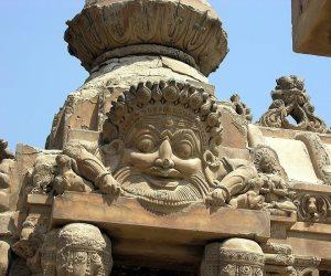 ماتت الحبيبة فتوقف البرج عن الدوران.. قصر البارون من الروح الهندية إلى أشباح مصر
