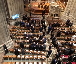 ننشر  أول صور من داخل كاتدرائية واشنطن قبل ساعة من تأبين جون ماكين