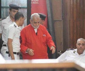 120 سنة سجن قائمة أحكام مرشد الإخوان.. بديع لديه حكمان مؤبد في قضايا غرفة عمليات رابعة وأحداث العدوة