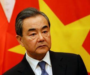 كيف تستعد الصين للرد على أمريكا حال فرض رسوم جمركية جديدة؟.. خارجية بكين تجيب