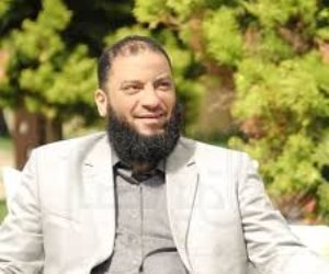 خليفة عمرو خالد في «النحنحة».. كيف يستقطب حازم شومان الشباب من «الفيسبوك»؟