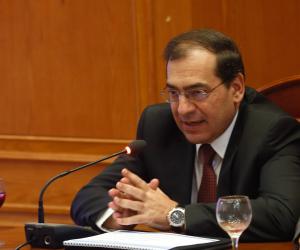 وزير البترول يكشف اتجاه الدولة في مشتقات البتروكيماويات.. ماذا قال عن الميثانول؟