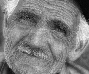 قصة منتصف الليل.. يأتي شهريا من قبره ليسدد إيجار شقة حبيبته