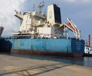 لزيادة مخزون القمح.. مميش: محطة غلال بميناء شرق بورسعيد بطاقة تخزينية 100 ألف طن
