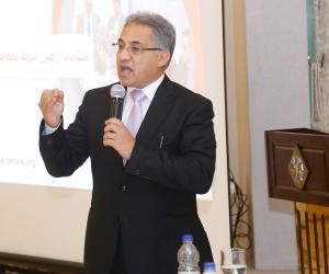 أحمد السجيني: نتطلع أن تنتقل الحكومة من شكلية الأداء لموضوعيته