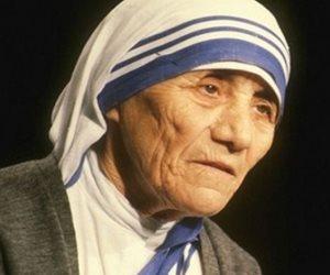 فى ذكرى فوزها بجائزة نوبل.. نرصد رحلة كفاح الأم تريزا من أجل الإنسانية