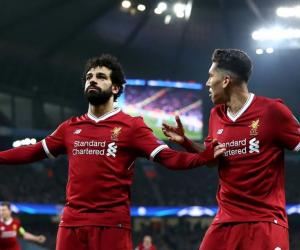محمد صلاح يتفوق على جيرارد وتيرى فى قائمة أفضل لاعبى العالم بالعقد الأخير