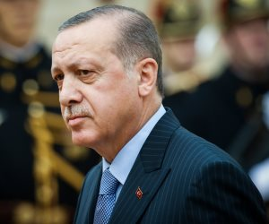ديون تركيا الداخلية تتصاعد.. كيف نصبت بنوك أنقرة على المدخرين؟