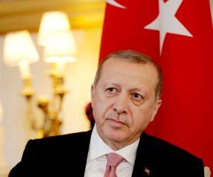 الأتراك يوجهون 3 صفعات على وجه أردوغان