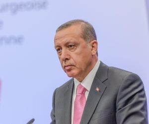 أردوغان يأمر شعبه بالتقشف.. ويصرف في العام 8 مليارات مخصصات رئاسية
