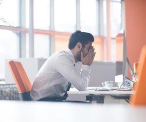 """صاحب العمل vs العامل.. أسئلة شائكة في زمن """"كورونا"""""""