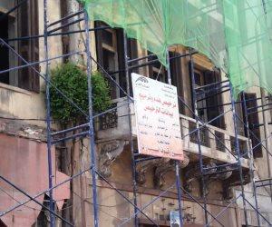 يد ترفع المعول ويد تدفع الرشاوى.. من وراء هدم المباني التراثية في الإسكندرية؟