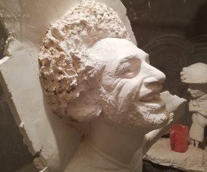 موجة انتقادات تطول تمثال «مو صلاح».. ماذا قالت مى عبد الله نحاتة تمثال «الفرعون المصري»؟