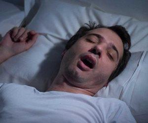 «لو بتتقلب كتير في نومك».. احذر من ارتكاب هذه الجرائم