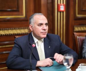 وزير الري: ممنوع دخول العاملين والزائرين لمنشات الوزارة بدون الكمامة