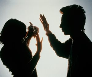 العنف ضد النساء والفتيات خلال جائحة كورونا.. الدول العربية تتضامن مع القضية وتسلط الضوء عليها