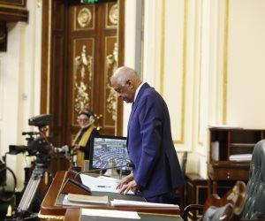 النواب يقطعون جلستهم لقراءة الفاتحة على «النعماني».. و«عبد العال»: عازمون على محاربة الإرهاب