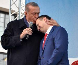 بعد فشل سياساته تجاه تركيا.. هل يبدأ مؤيدي أردوغان في التراجع عن دعمه؟
