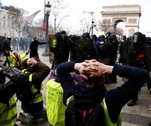 زعيمة اليمين المتطرف تدعم «السترات الصفراء».. لوبان تصب الزيت على النار للثأر من ماكرون