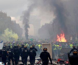 تخوفات من احتراق باريس.. هل ينجح الأمن في وقف زحف السترات الصفراء إلى الإليزيه؟