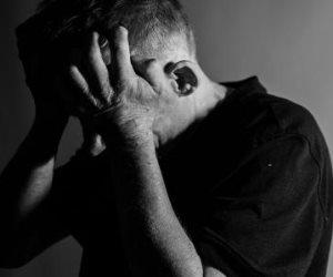 «لو بتتعامل مع مريض اكتئاب».. احذر هذه التصرفات