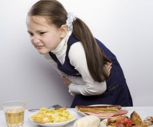 تسمم غذائى ولا أنفلونزا المعدة.. علامات وأعراض هتقولك الفرق