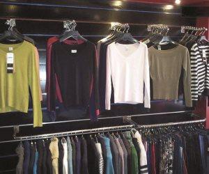 شعبة الملابس تؤكد عدم تأثر حركة المبيعات في القطاع بالمواعيد الجديدة لغلق المحال