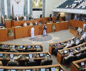 بسبب استجوابات برلمانية.. أمير الكويت يقبل استقالة الحكومة ويكلفها بتسيير الأعمال