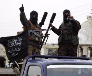 في سوريا والعراق.. «الدواعش» يستخدمون النساء في نشر التطرف