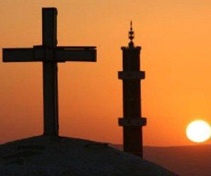 انتهى الدرس يا غبي.. المسلمون والمسيحيون يد واحدة لصد هجمات الإرهابيين في أعياد الميلاد