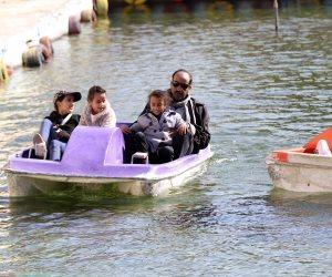 القاهرة تتزين لاحتفالات الميلاد المجيد.. فتح الحدائق العامة بالمجان وتخفيض تذكرة الأتوبيس النهري