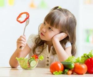 كيف تهتمين بصحة طفلك فى سنة أولى صيام؟