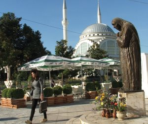 انتهاكات تركية منذ القدم.. أعدموا الألبان وأثاروا الفتنة الطائفية بين المسلمين والمسيحيين